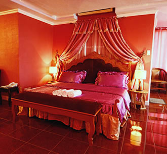 Honeymoon Suite Image
